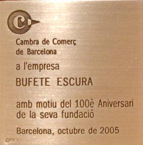 Bufete escura Abogados y Economistas de Barcelona reconocido por Cambra Centenari